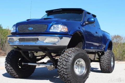 1997 Ford F-150 XLT 5.4L V8 Custom 4WD Pickup for sale