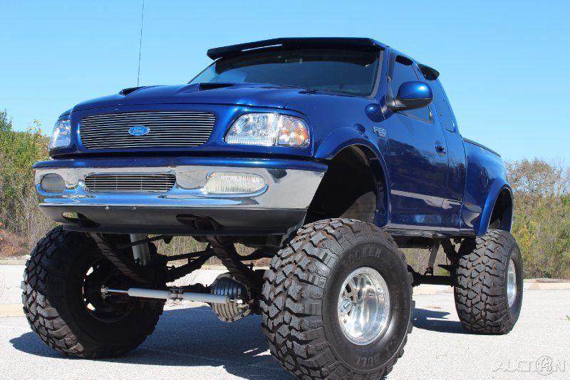 1997 Ford F-150 XLT 5.4L V8 Custom 4WD Pickup