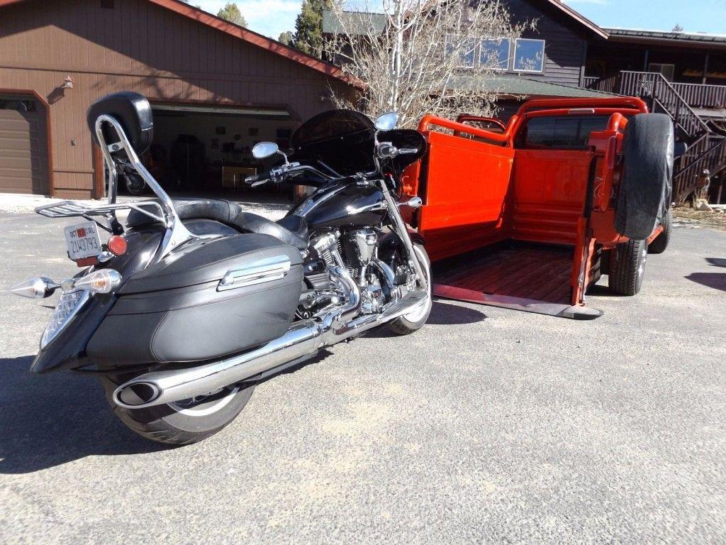 1998 Dodge Ram 2500 Custom Motorcycle Hauler