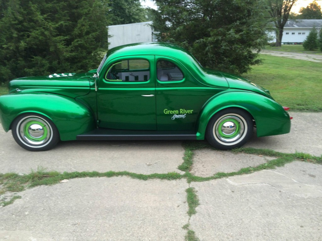 1940 Ford 5 Window coupe