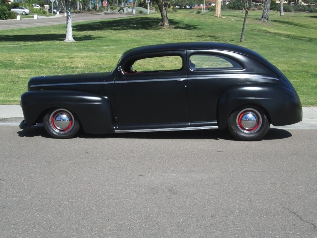 1942 Ford 2 Door Sedan Custom Street Rod