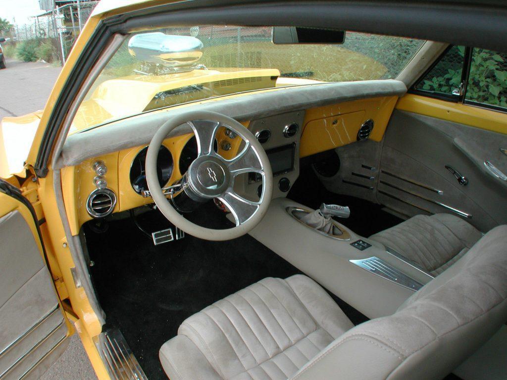 Badass beast 1967 Chevrolet Camaro R/S CUSTOM