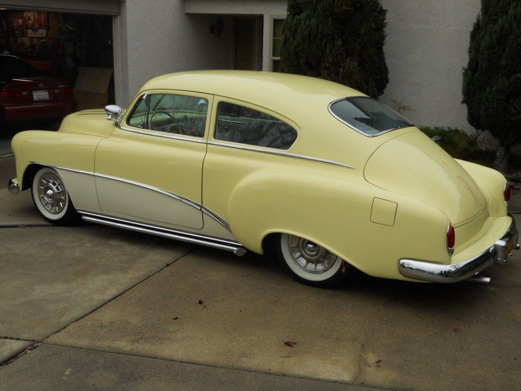 Pinstriped 1952 Chevrolet fleetline custom