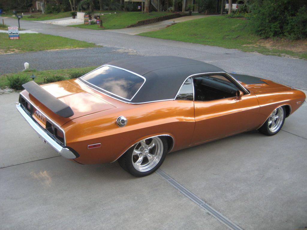 Resto Mod 1973 Dodge Challenger custom