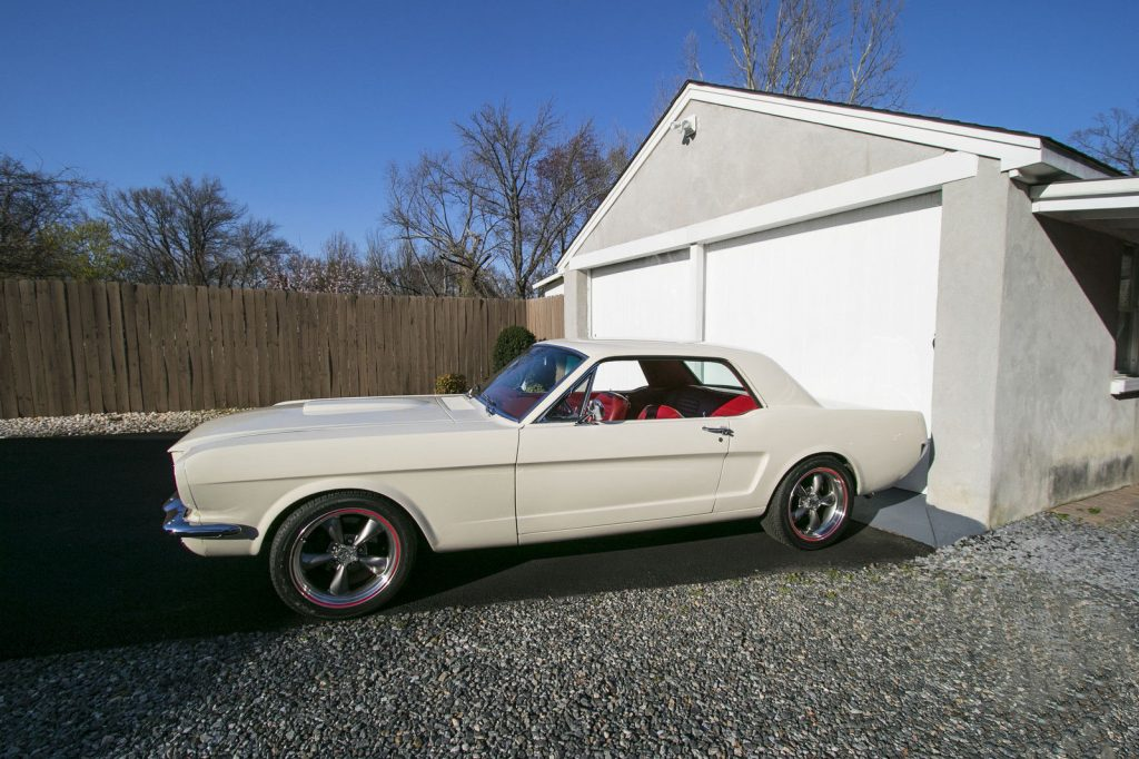 Restomod 1965 Ford Mustang custom