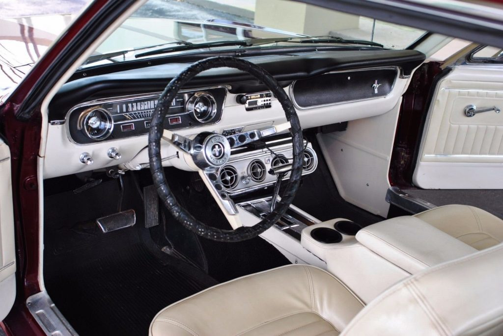 Smooth ride 1965 Ford Mustang Custom Coupe