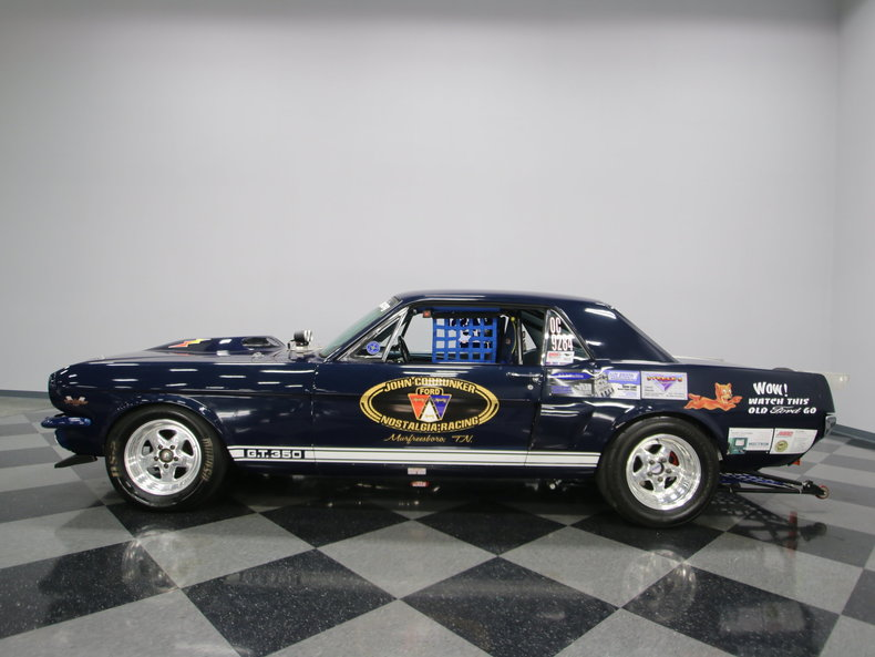 drag racer 1966 Ford Mustang custom