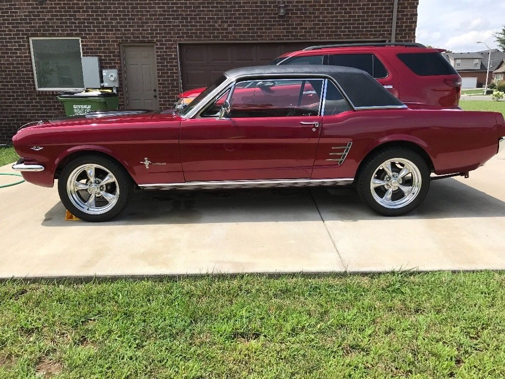 great driver 1966 Ford Mustang custom
