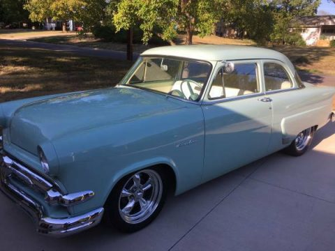 Straight body 1954 Ford Mainline custom for sale