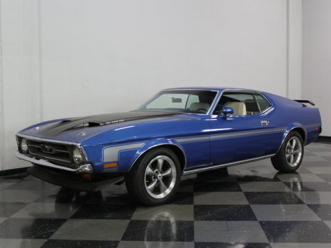 great color 1971 Ford Mustang custom for sale