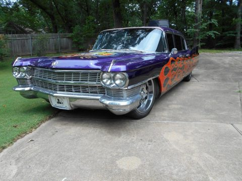 beautiful paint 1964 Cadillac Fleetwood limousine custom for sale