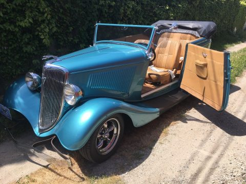 beautiful 1934 Ford Phaeton 2 Door Convertible custom for sale
