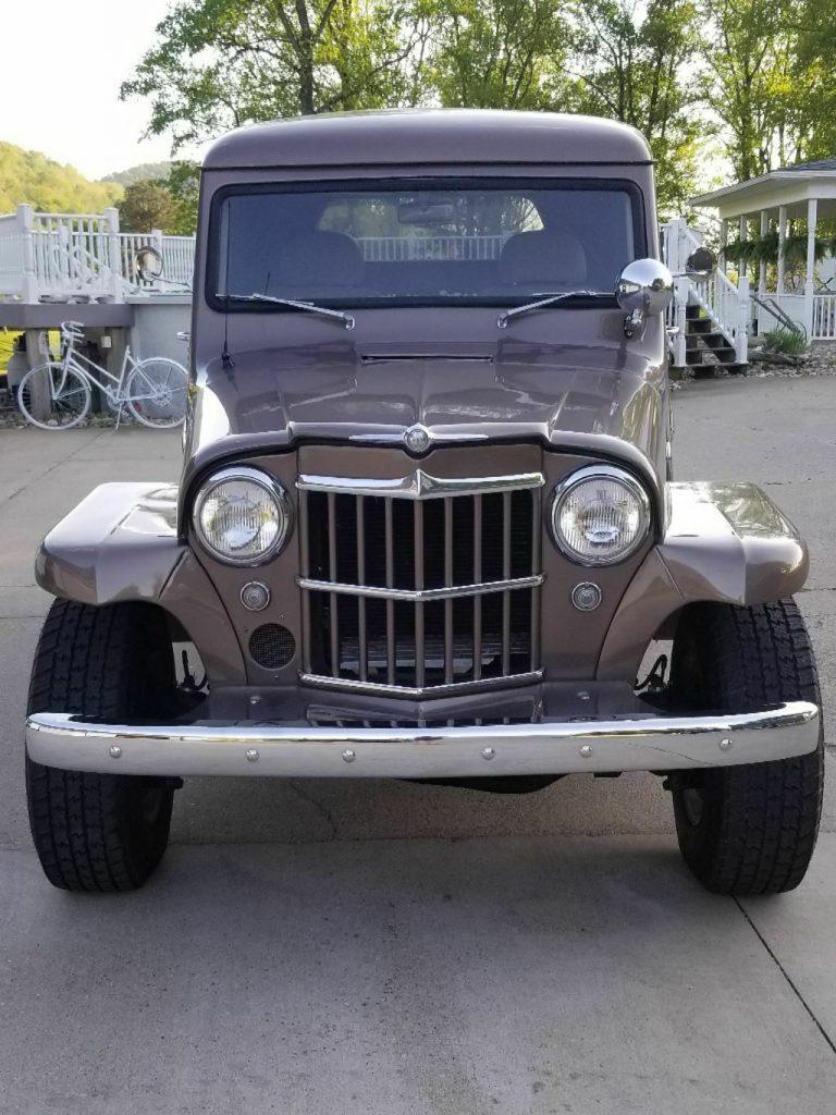 one of a kind 1962 Willys 4×4 pickup Custom