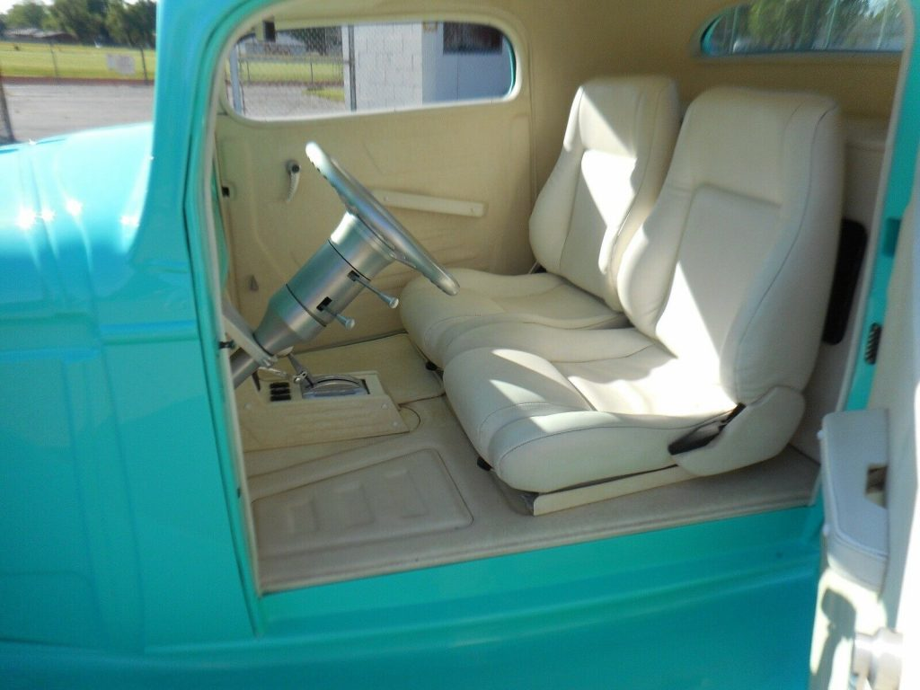 well modified 1935 Chevrolet custom