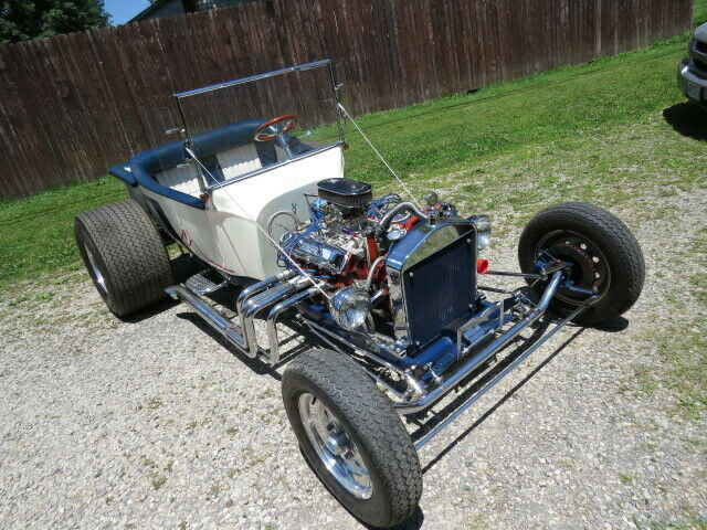 Olds powered 1923 Ford T Bucket custom