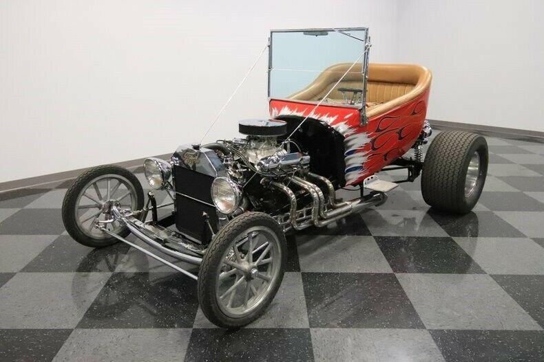 shiny 1923 Ford T Bucket custom