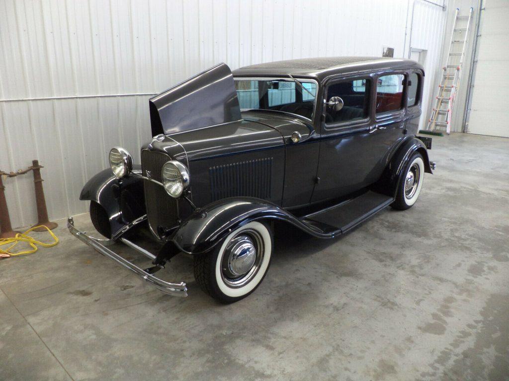 old school 1932 Ford Model B custom