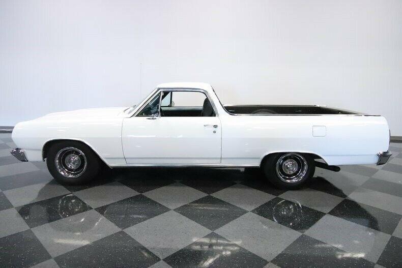 Restomod 1965 Chevrolet El Camino custom