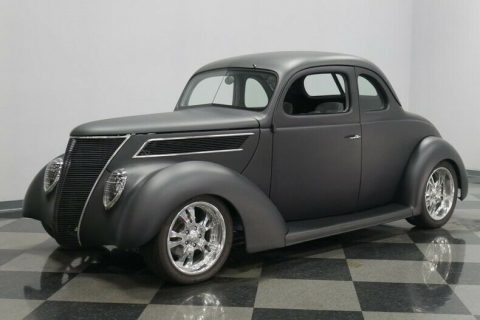 small block 1937 Ford 5 Window custom for sale