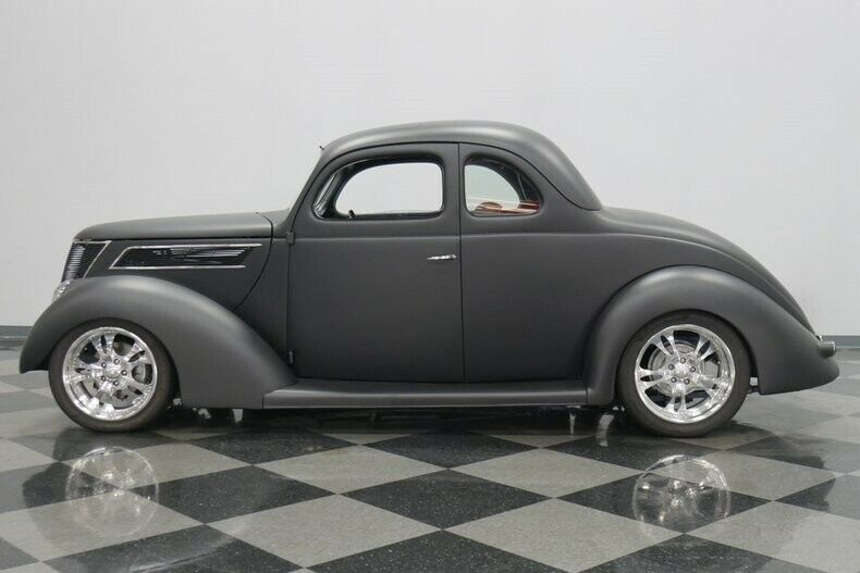 small block 1937 Ford 5 Window custom