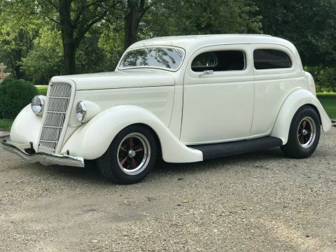 well modified 1935 Ford custom for sale