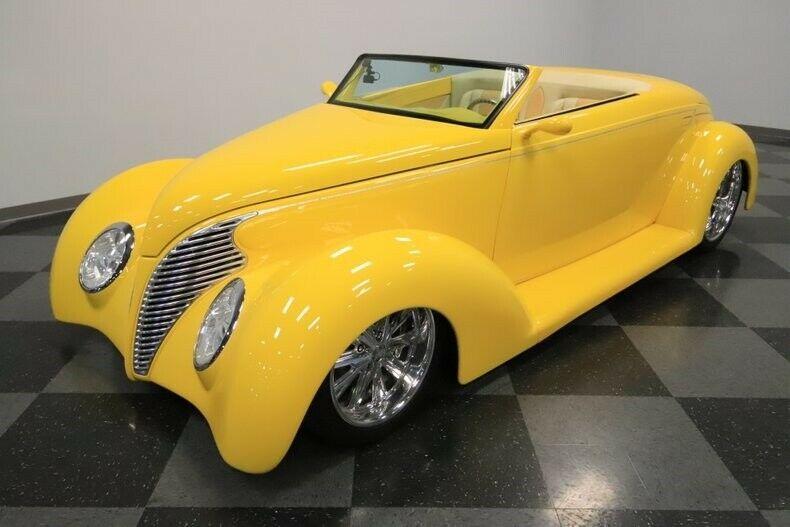 badass 1939 Ford Roadster custom