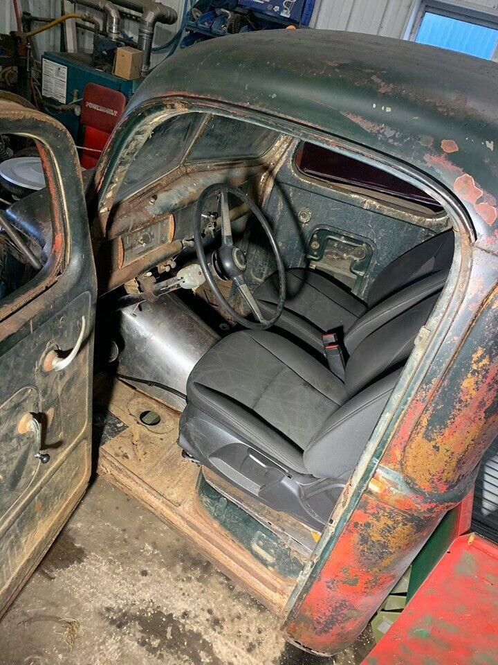 nice patina 1946 Ford Pickup custom
