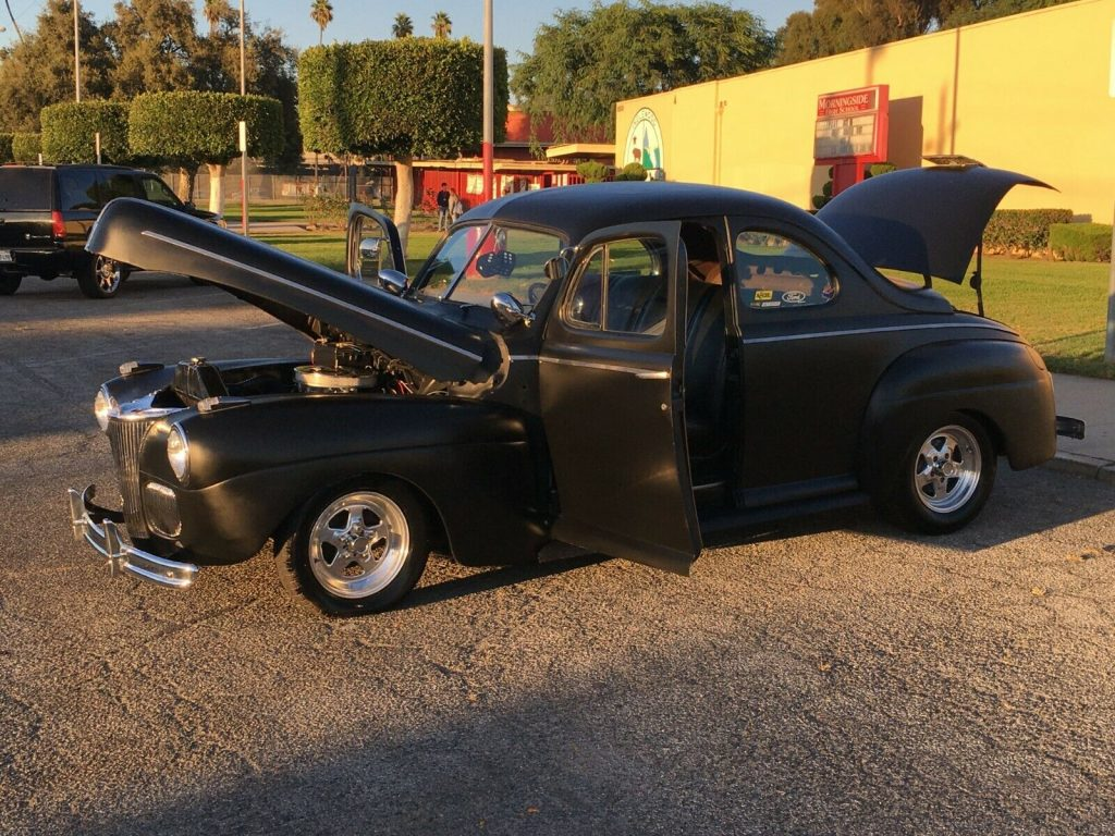restomod 1941 Ford Deluxe custom