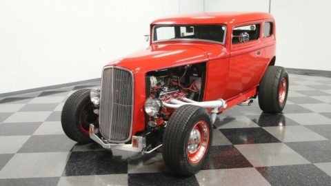 stylish cruiser 1932 Ford 5 Window Vicky custom for sale