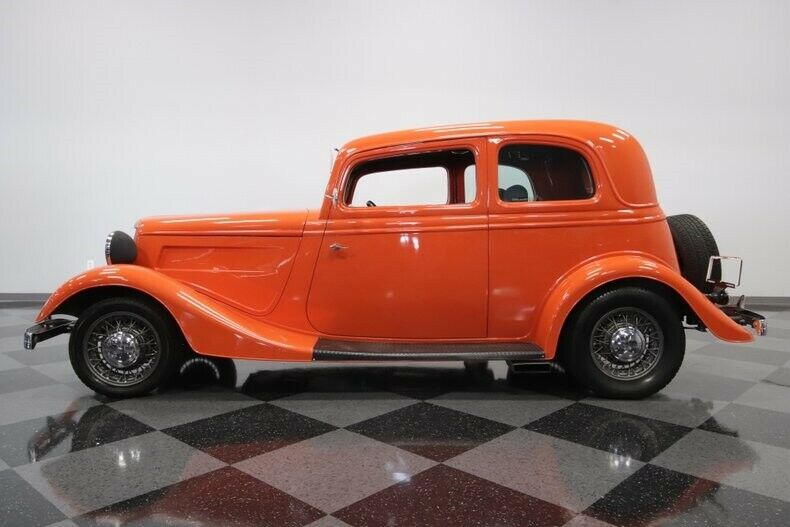 awesome 1933 Ford 5 Window Vicky custom