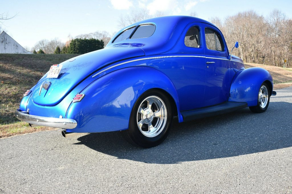 show winner 1940 Ford Standard custom