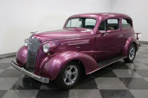 well modified 1937 Chevrolet Deluxe custom for sale