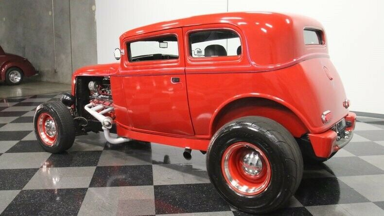 classic vintage 1932 Ford 5 Window Vicky custom