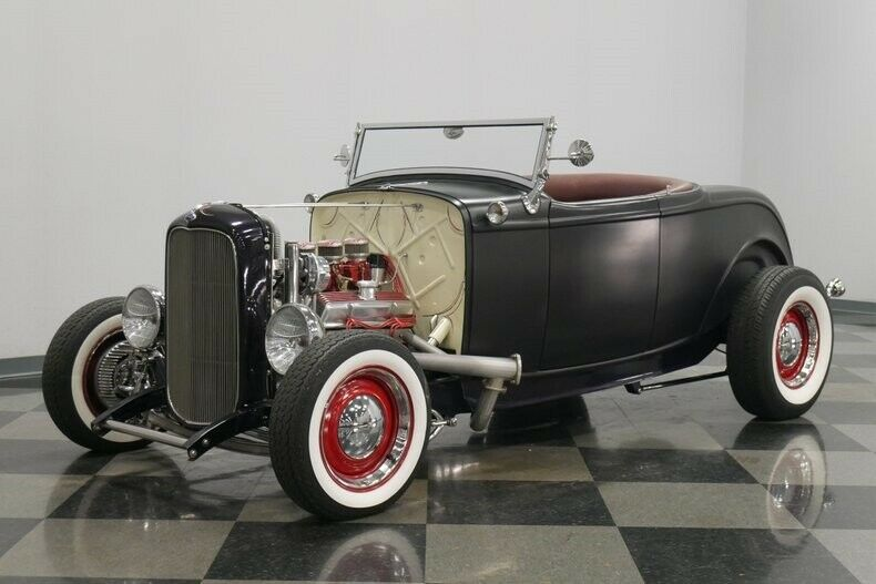 classic vintage 1932 Ford roadster custom
