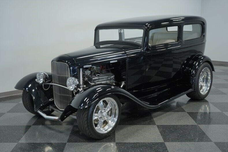 small block 1932 Ford Tudor Sedan custom