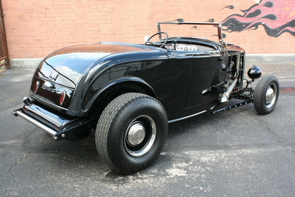 50s style build 1932 Ford Roadster custom
