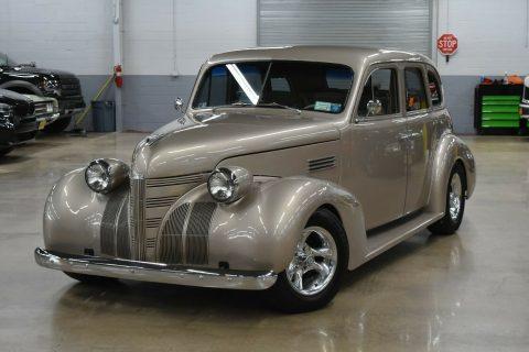 comfortable 1939 Pontiac Silver Streak custom for sale
